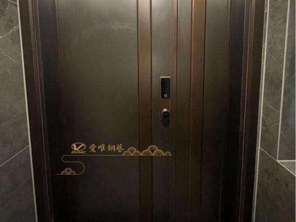佛山铜门厂家爱唯铜艺——子母铜门极简风格