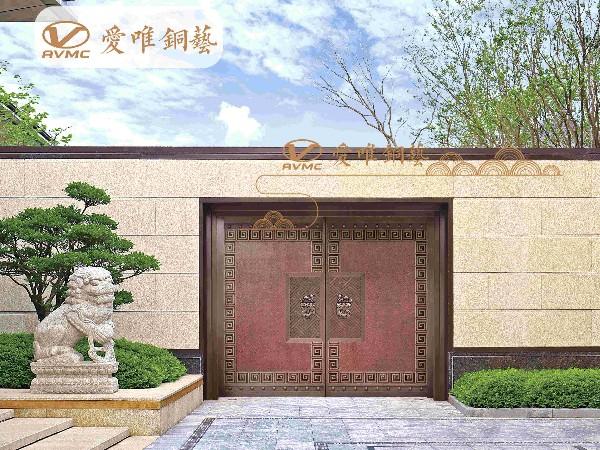 别墅铜门与周围建筑的搭配