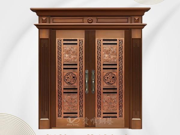 定制铜门的外观与其他材料有很大不同