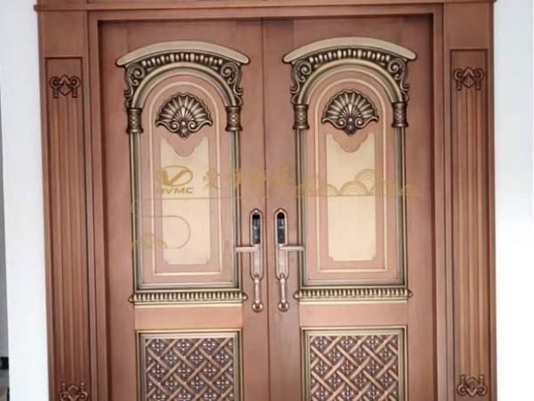 广东铜门厂家爱唯铜艺——清远徐总铜门样品门安装