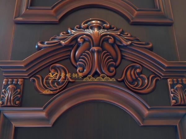 别墅安装铜门有什么好处