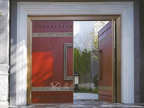 怎样合适的进行别墅铜门的保养?