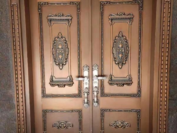 铜门和别墅更配