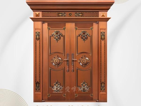 根据业主房屋的装修风格选择别墅铜门款式