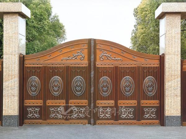 铜门生产厂家爱唯铜艺对别墅铜门进行分析