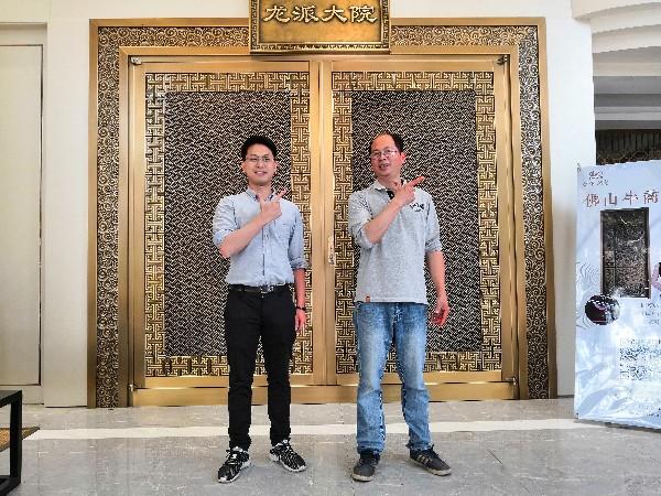 别墅铜门厂家爱唯铜艺做客户喜欢的铜门