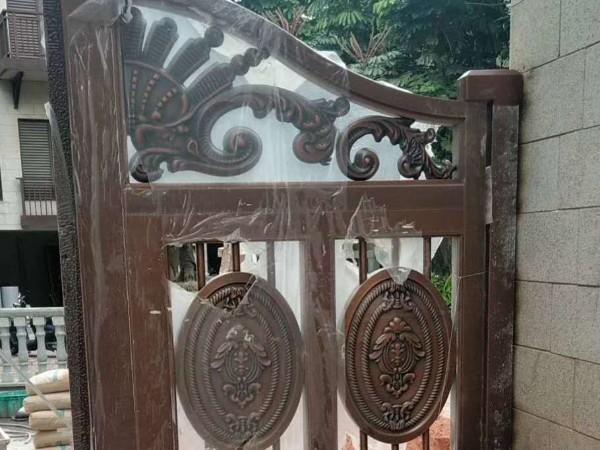 广东爱唯铜艺铜门厂家庭院铜门中山铜门工程