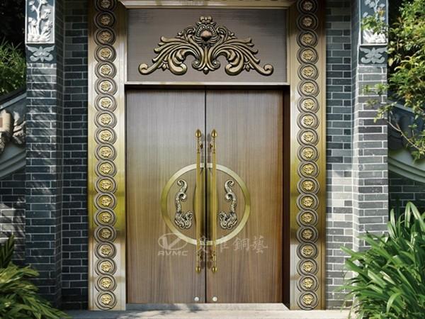 为什么铜门会广泛应用于别墅