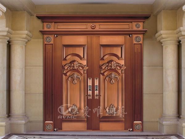 广东铜门厂家维护别墅铜门的方法