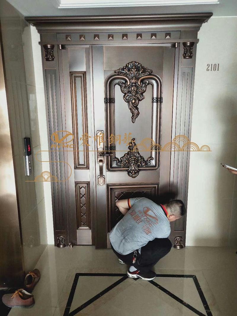 爱唯铜门-欧式铜门
