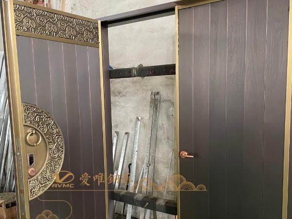 佛山别墅铜门厂家爱唯铜艺——新中式铜门调试