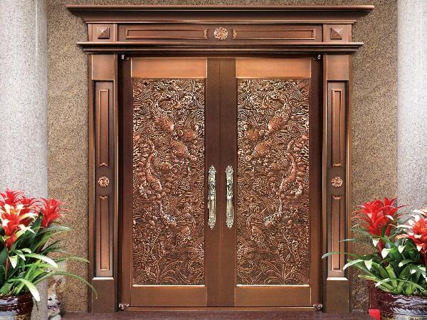为什么业主都会考虑买铜门安装?