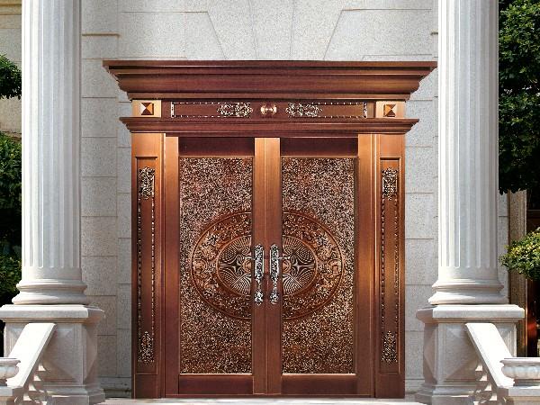 铜门厂家的别墅铜门是怎样得呢