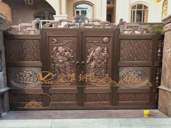 还在烦恼大门设计木门还是别墅铜门?